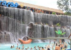 Tour Hacienda Napoles y Cataratas Victoria desde medellin o bogota 1