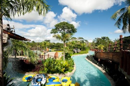 Tour Hacienda Napoles y Cataratas Victoria desde medellin o bogota 2